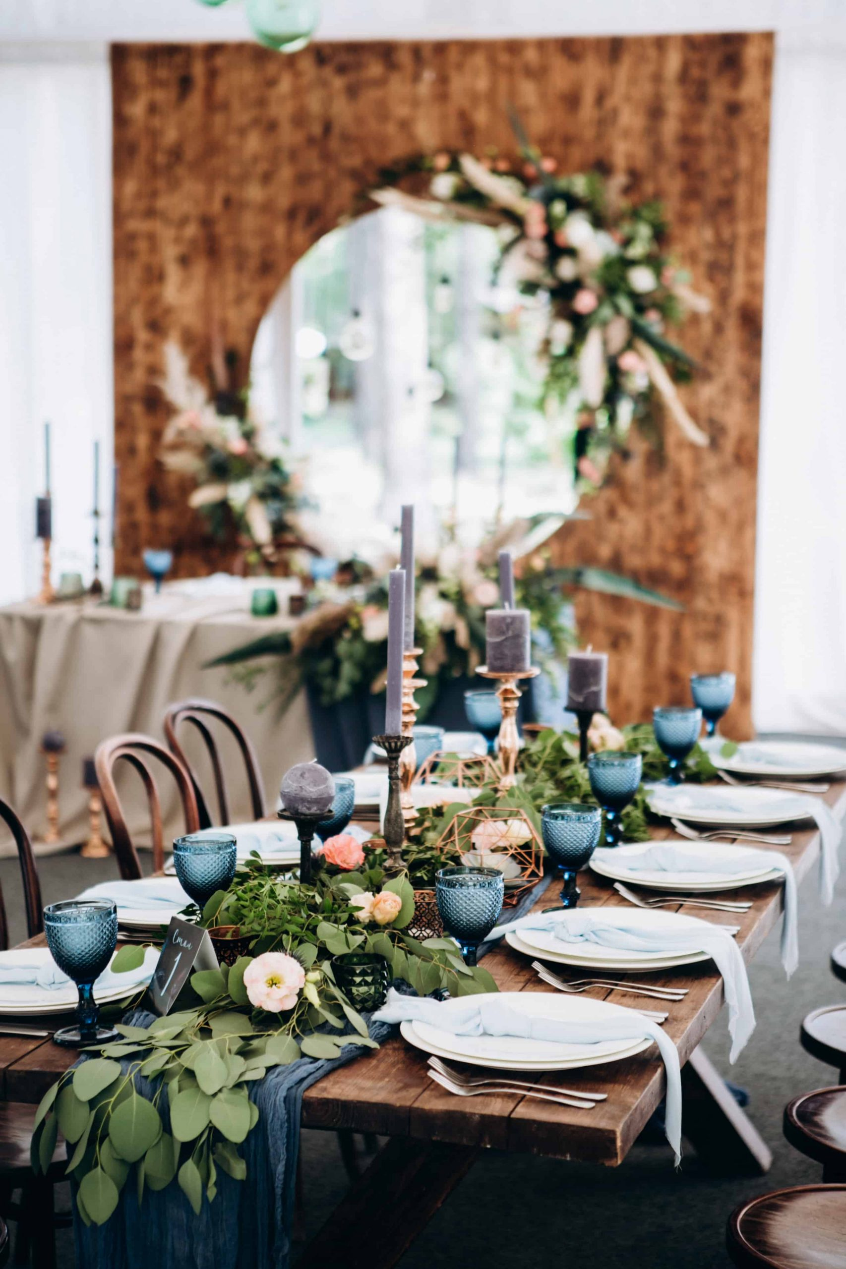 contemporary wedding styling